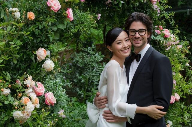 原创37岁前TVB花旦陈法拉公开再婚婚讯,法籍丈夫普通话宣誓场面感人