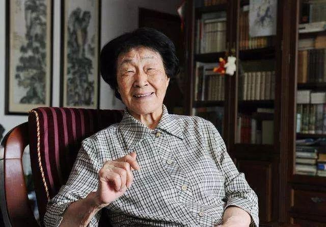 """名师谈艺 ▏于漪:从小建立与中国语文的""""骨肉亲情"""""""