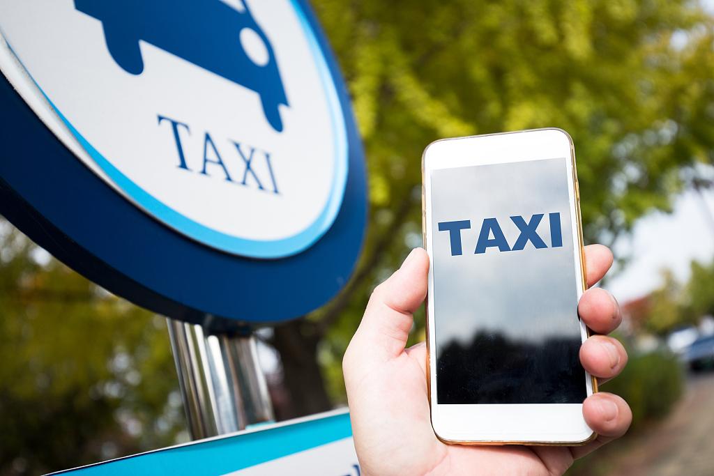 为什么说无人出租车关乎特斯拉和Uber的生死存亡?
