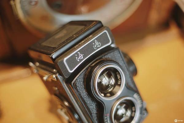 海鸥 4A 中画幅胶片相机经久不衰的年代感觉