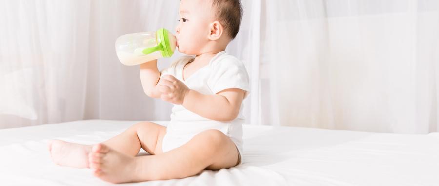 奶瓶喂养和母乳亲喂有哪些不同?(下) | 每日涨营养姿势1019