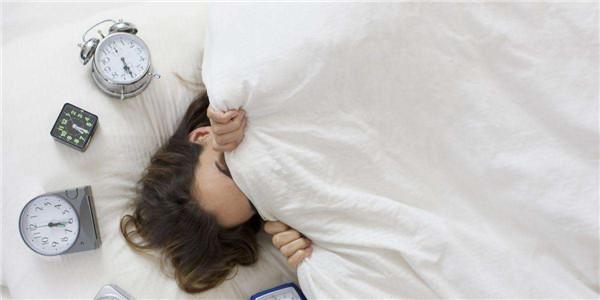 """又失眠?14种助眠方法比""""数羊""""科学"""