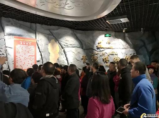 """2019年""""中国旅游日""""""""千里画廊、百车自驾""""团游览青河"""