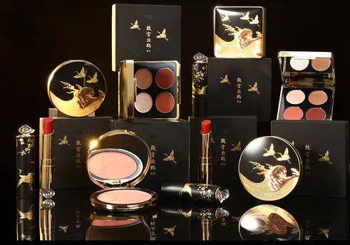 """""""国货之光""""的荣耀:国产自创彩妆品牌指南"""