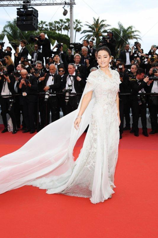 戛纳电影节红毯秀_戛纳红毯为这3个中国女明星清场,2个是国际巨星,1个却只是 ...