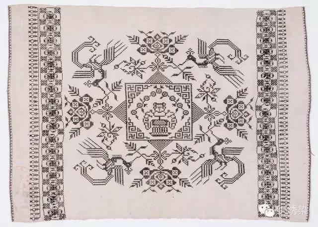 (诗词挑花为一主要类型,该方巾中心为神童诗,边上围绕福禄寿喜,表达图片