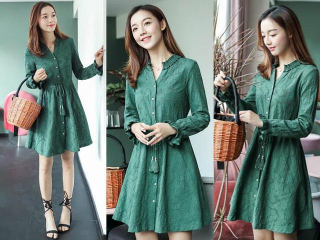 48岁杨钰莹新造型,搭配绿色连衣裙清新似仙女,配对鞋子穿太美了