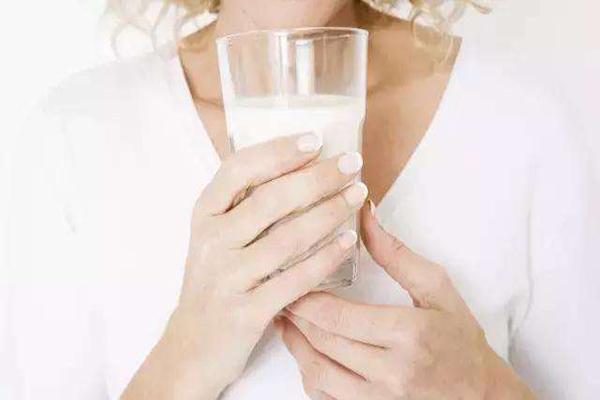 孕妇喝哪种奶粉最好?孕妇奶粉有必要喝吗?