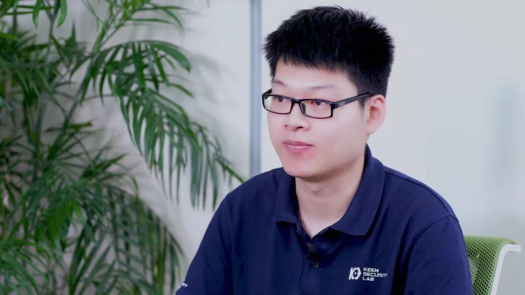"""5岁编程,18岁保送,27岁世界第一:90后少年上演真人版""""黑客帝国""""!"""