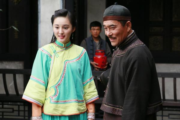 13岁被迫嫁35岁丈夫,却幸福无比