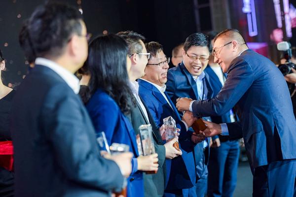 京东618全球品牌峰会 SK-II、海澜之家、欧派拿下最佳合作伙伴大奖