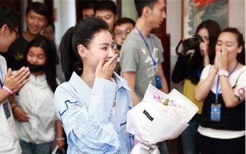 张柏芝与粉丝提前共度39岁生日,谢霆锋未现身也未送上祝福 作者: 来源:金牌娱乐