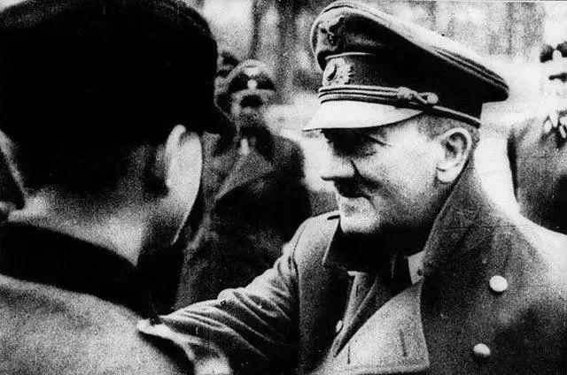 原创为何纳粹德国了二战末期节节败退,内部却没出现一战德国人民起义