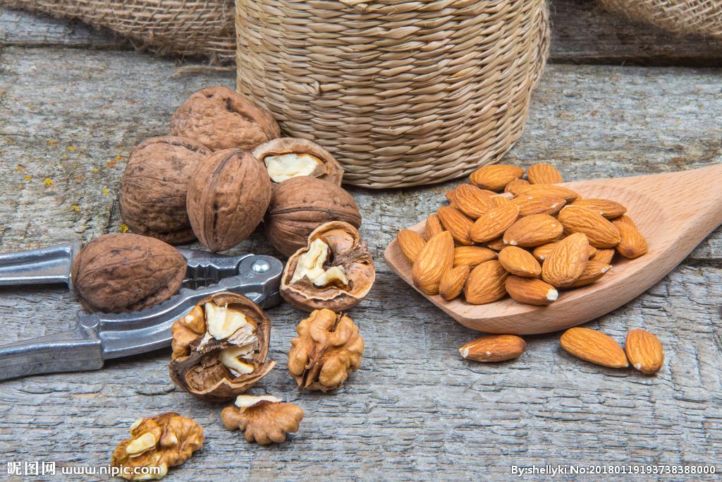 晚期肠癌食用坚果可提高生存率!