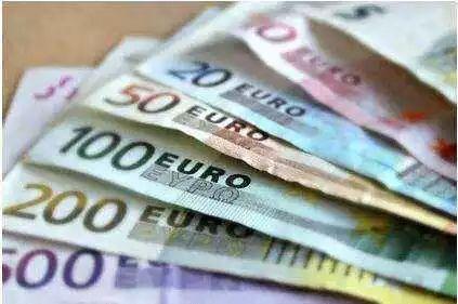 """新版100、200欧元纸币即将上市!教你三招如何辨别""""假""""欧元"""