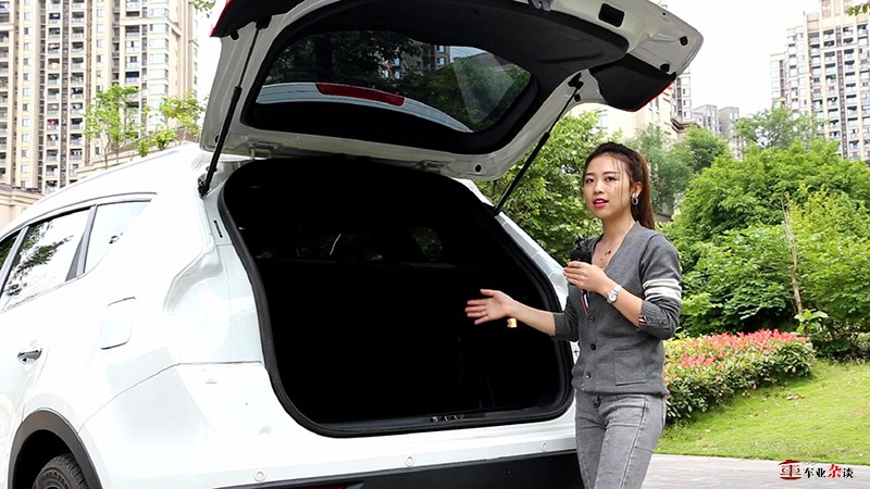 原七座SUV应该有怎样的空间?来看看东风风光580混动版