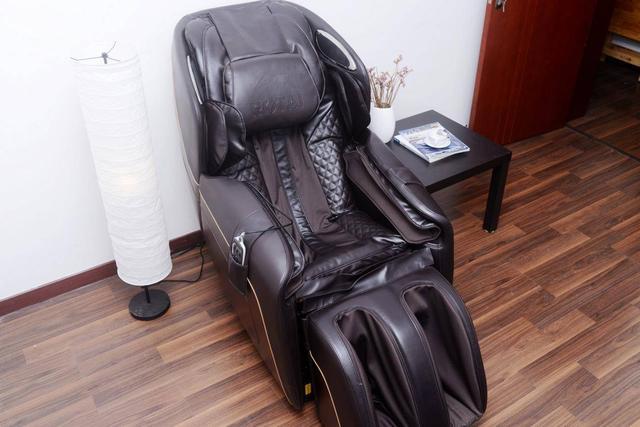 荣泰彩票网址_荣泰,作为一个专注按摩椅22年的公司,在细节的把控上,同样也是做到了
