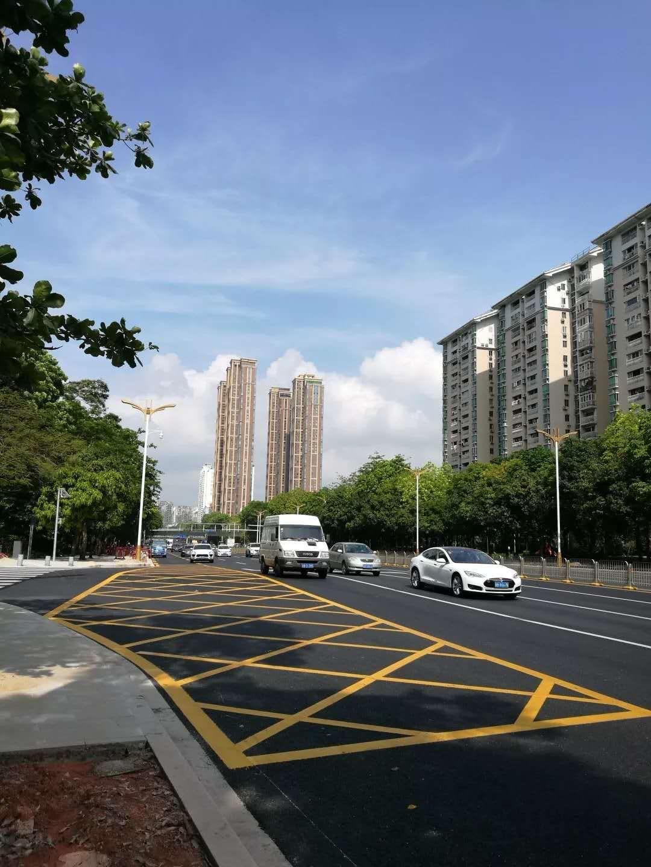 """深圳提升城市基础设施 占道施工""""短痛长甜"""""""