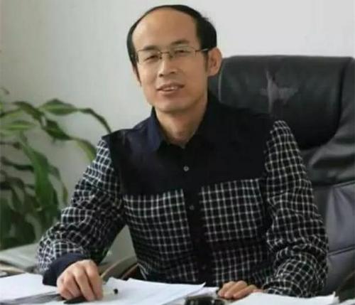 辽宁省海城市散文协会主席范彧:责任与担当铸就《彧华》