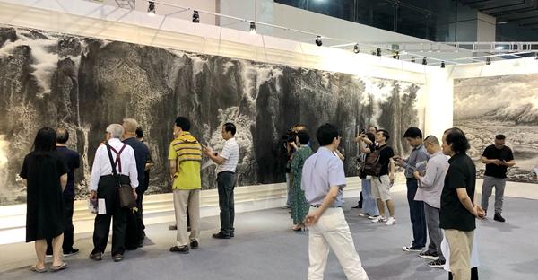 传承与开拓―― 来支钢当代积墨新山水画展走进杭州