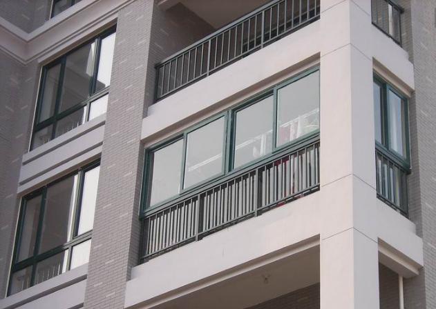 装了三套房说句实话 开发商装的阳台栏杆要不要拆 太多人想错了