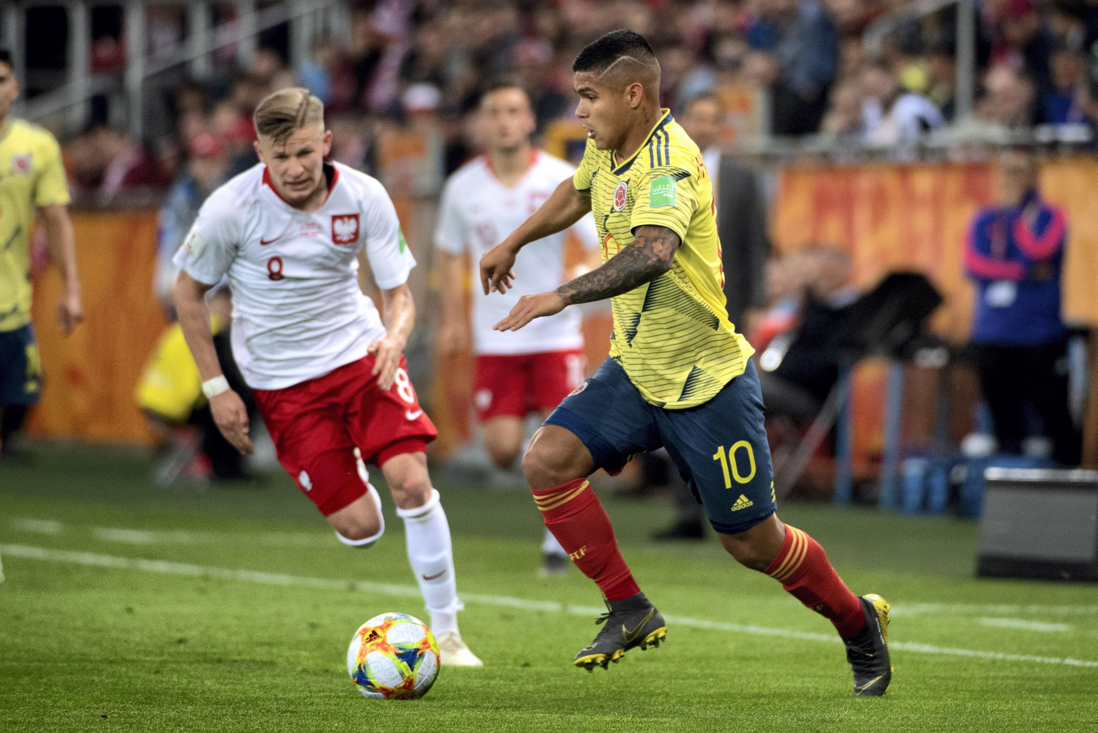 足球——世青赛:哥伦比亚胜波兰