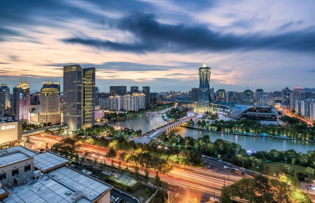 杭州的gdp排名2019_杭州街拍网红排名