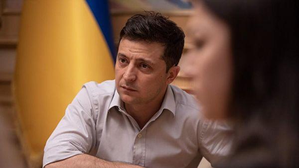 7万乌克兰民众要求新总统辞职 泽连斯基不打算回应