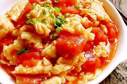 番茄炒鸡蛋这道菜,为什么营养师都说不健康?今天告诉大家真相