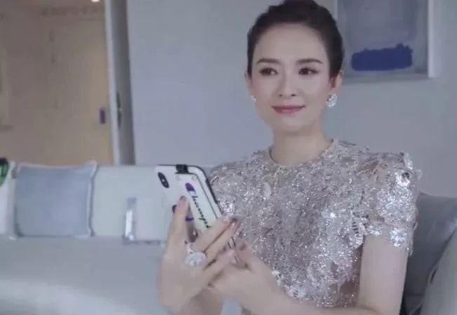 章子怡vlog揭秘国际巨星日常,住行竟然奢华到电影都不敢这么拍?
