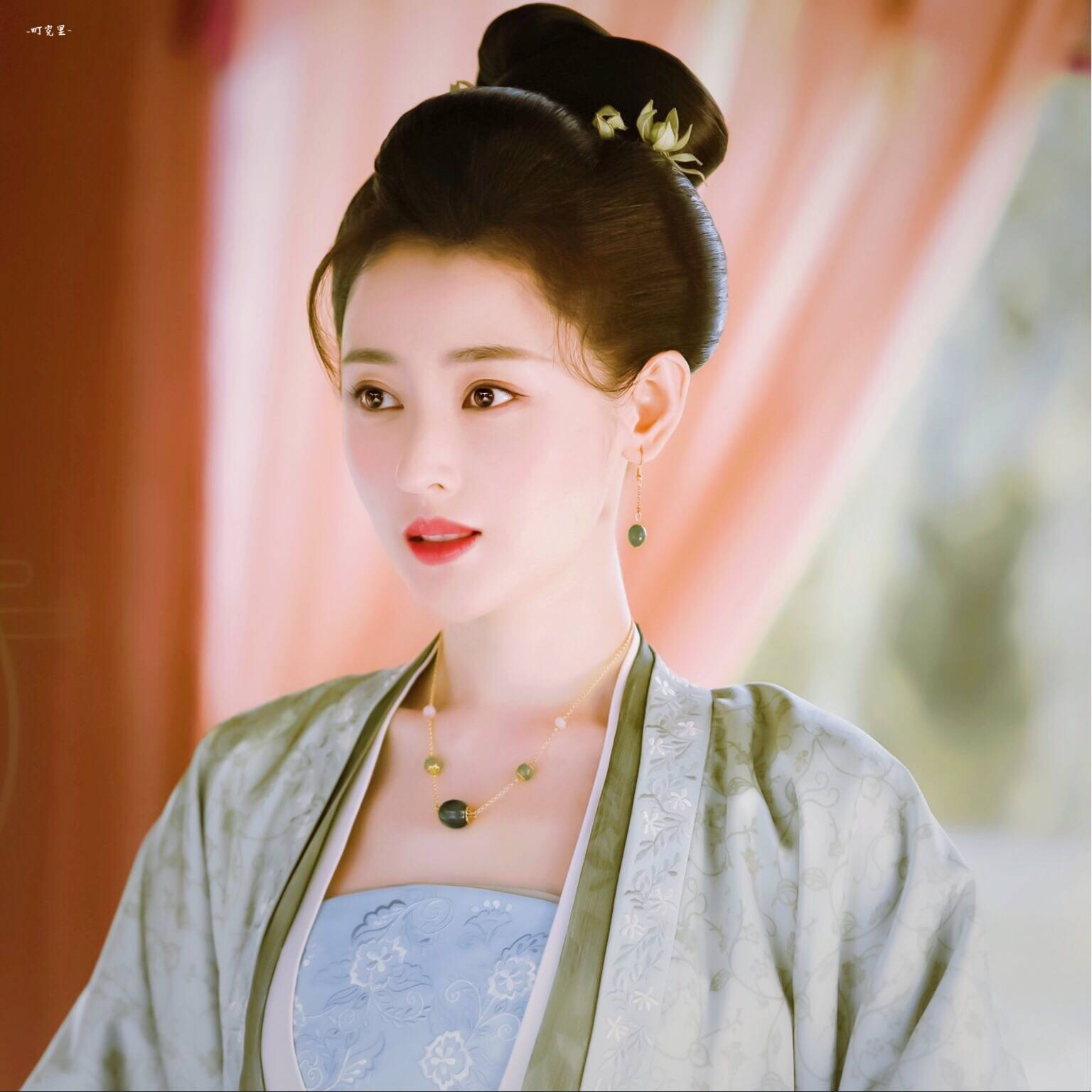 原创张天爱新剧出演配角却清丽温婉,比之前太子妃都要美