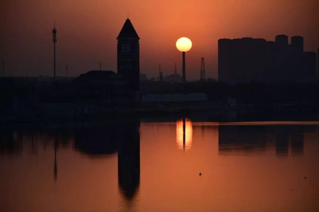中国最神秘地方,十一二点才起床,还美女如云