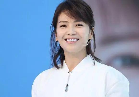刘涛11岁女儿近照曝光,颜值巅峰太惊艳,网友:比黄多多还美?