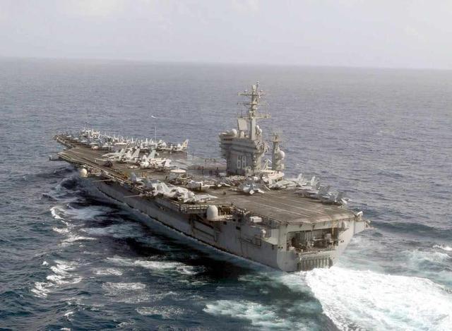美国大批军舰驶向波斯湾,伊朗称冲突就在眼前,大批导弹开始瞄准