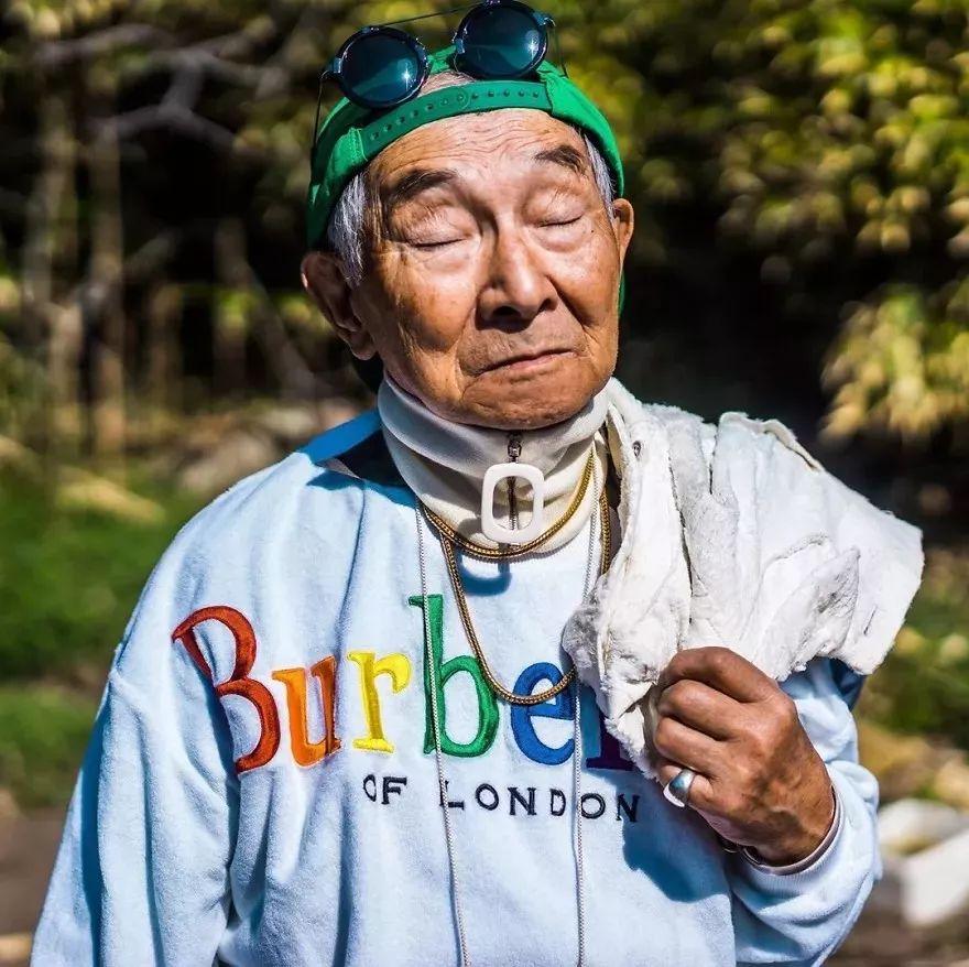 84岁日本爷爷时尚照火遍全网,有趣才是抵御岁月的法宝!