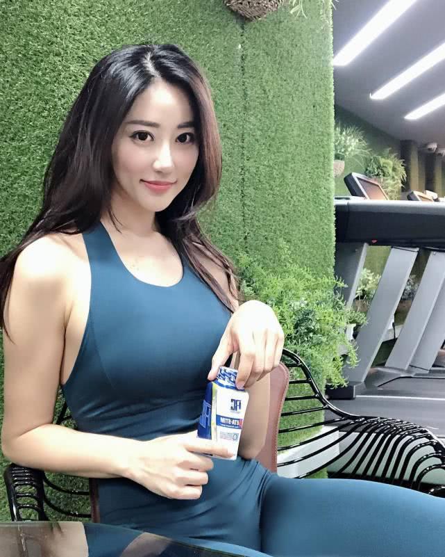 胖仙女健身2年减重30斤,力量训练帮她塑造完美身体线条