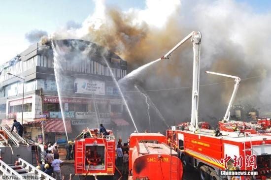 印度培训中心火灾已致22人遇难 一名负责人被捕