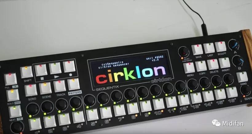 全世界最难买的 Cirklon 音序器硬件升级 V2 版,增加彩屏和网络接口