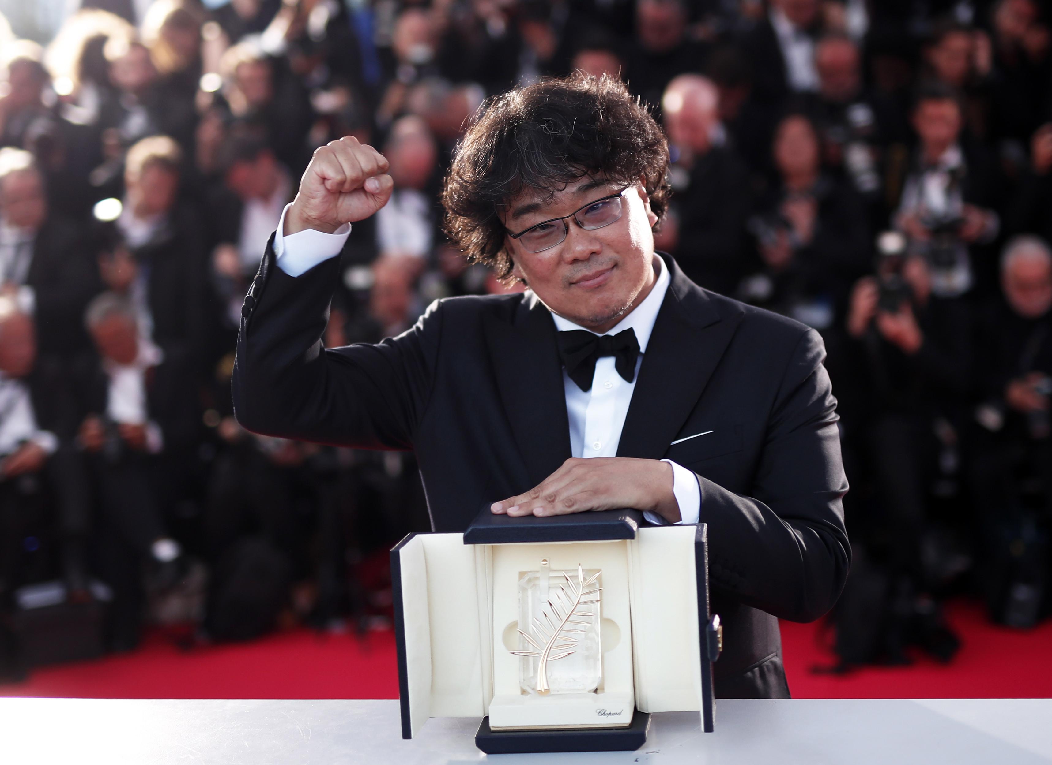 韩国总统祝贺《寄生虫》获戛纳金棕榈奖,向导演奉俊昊致以谢意