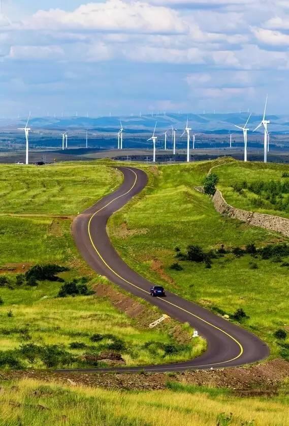 在新疆 有一种旅行叫公路旅行