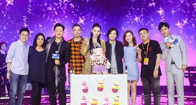 张柏芝举办生日会,向太发长文感慨,网友猜测两人关系是否缓解