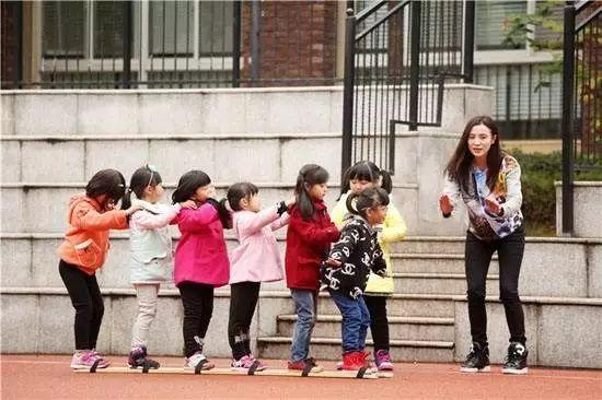 """<b>幼儿园老师也是老师,请不要再叫我""""阿姨""""!</b>"""