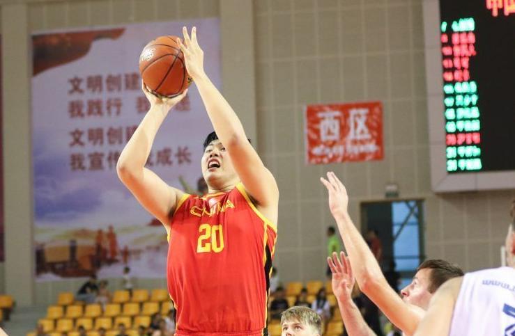 两战砍57分!八一小将再次闪耀国青男篮,中国男篮该有他的位置