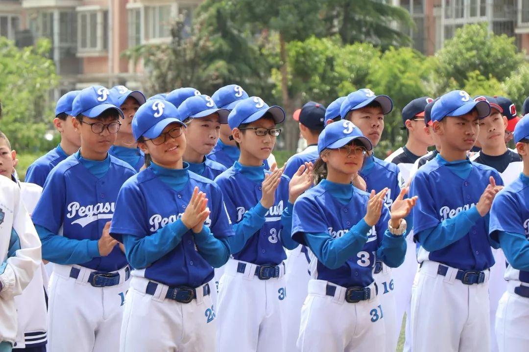 助力图片体育发展!青岛市棒垒球队成立啦嘉陵50摩托车时尚图片