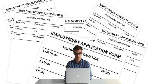 """毕业季求职Tips:大学生如何用""""简历小工具""""提升就业竞争力?"""