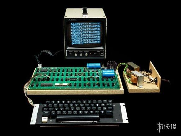 最保值的电子产品!Apple-1初代苹果电脑高价拍出!