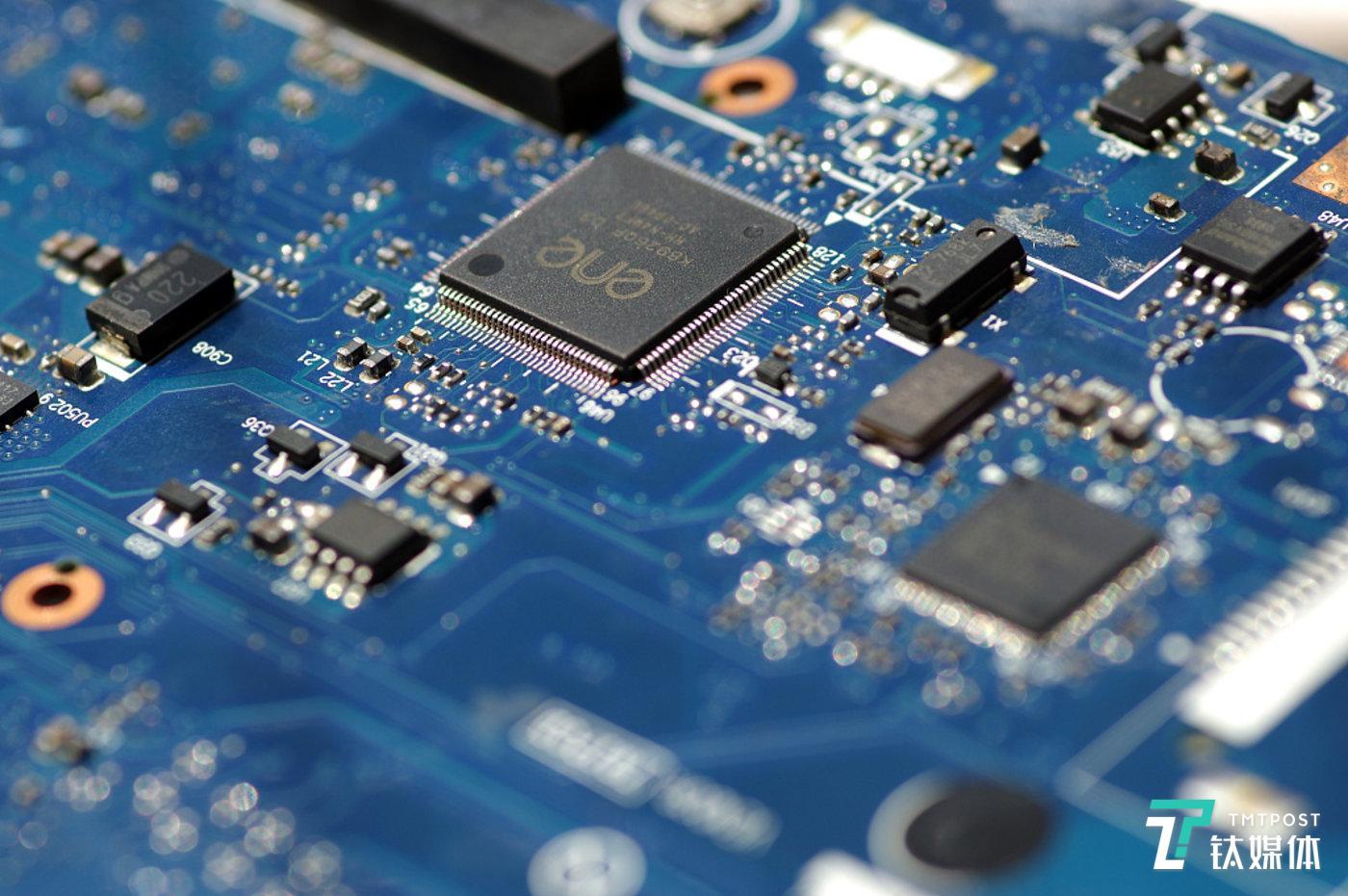 "AI芯片的""单点突破""能让联发科收复失地吗?"