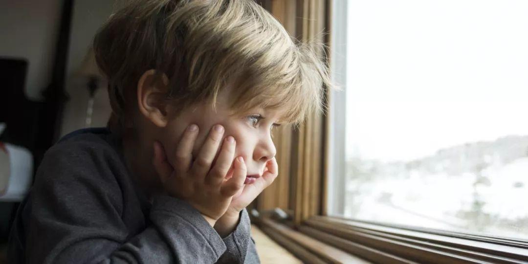 """爱孩子,就不要去问孩子""""爸爸妈妈你更爱谁?"""""""