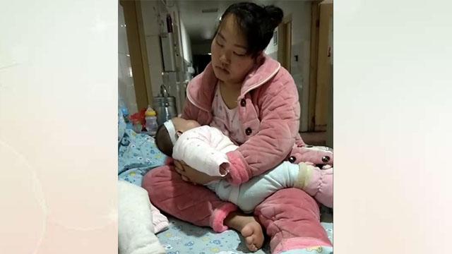 个月宝宝肺炎住院,宝妈抱着宝宝几夜