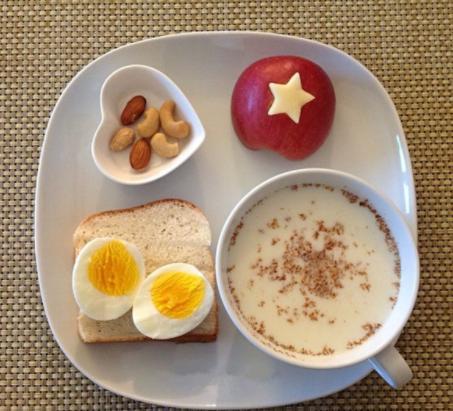 """忠告:4种早饭是幼儿的""""脾胃杀手"""",家长别大意,已有娃不发育"""